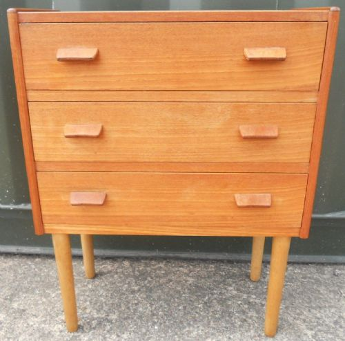 Small Retro Teak Chest of Drawers